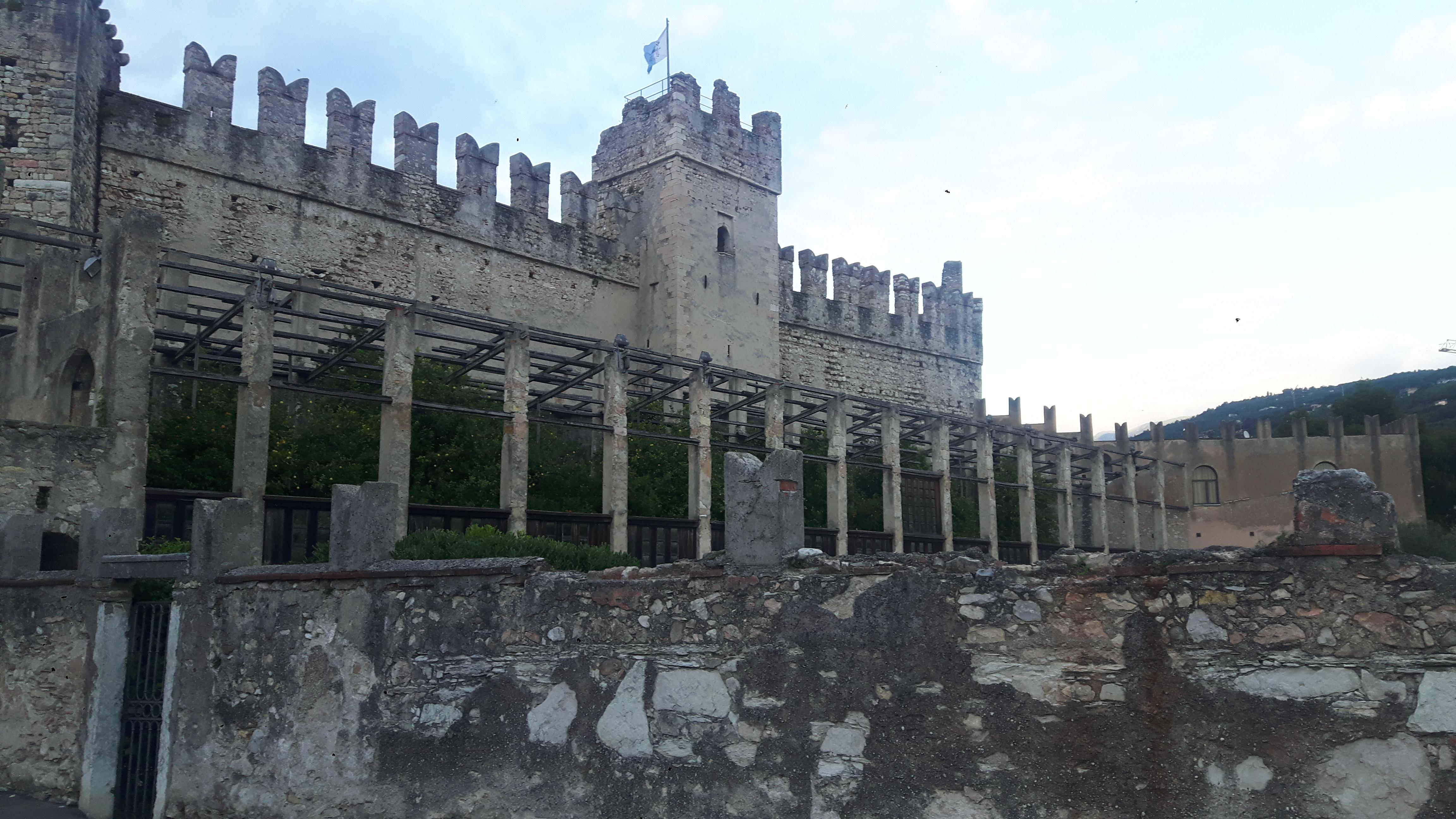 Zamek w Torri del Benaco