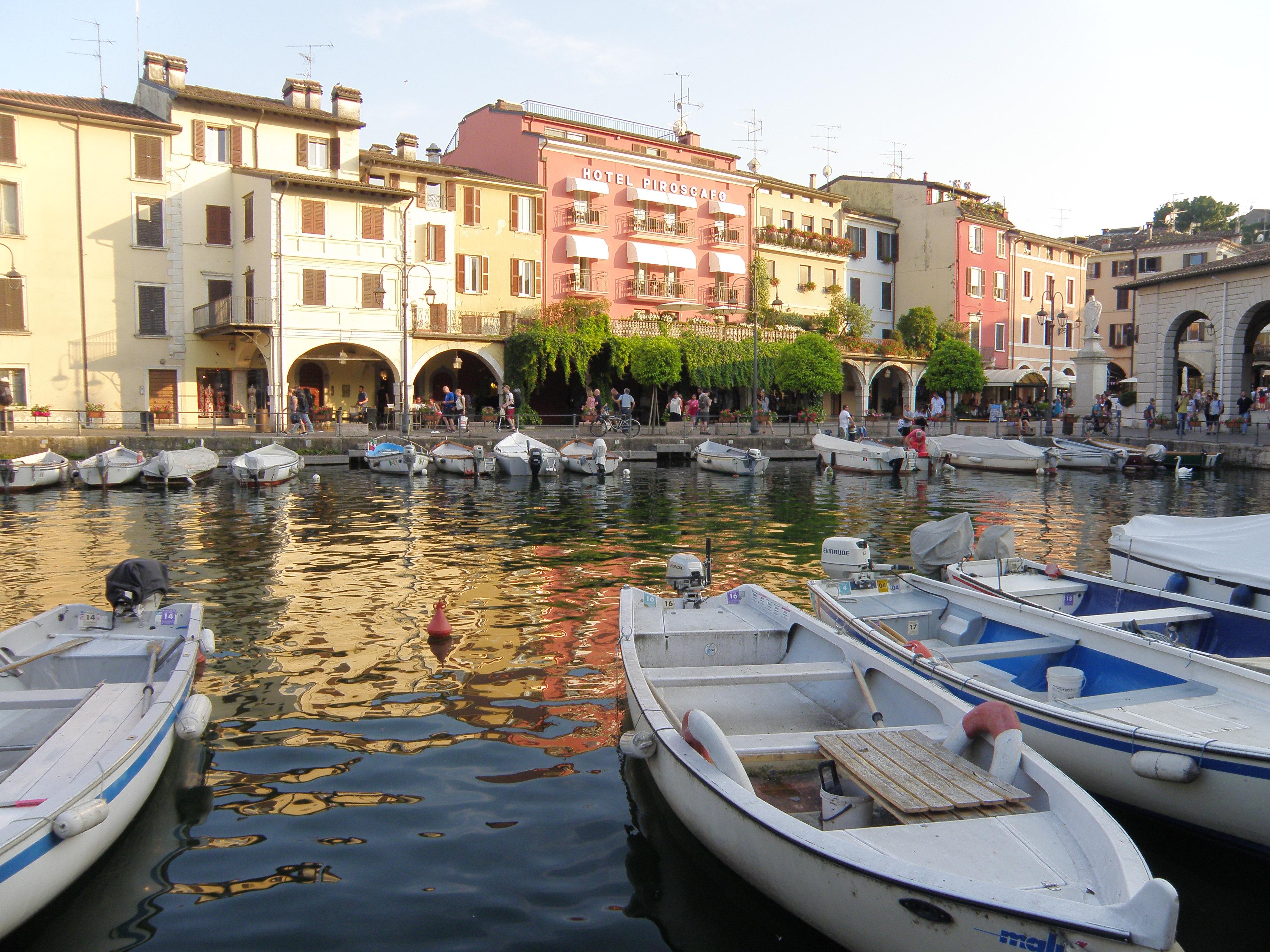 Stary port w Desenzano del Garda