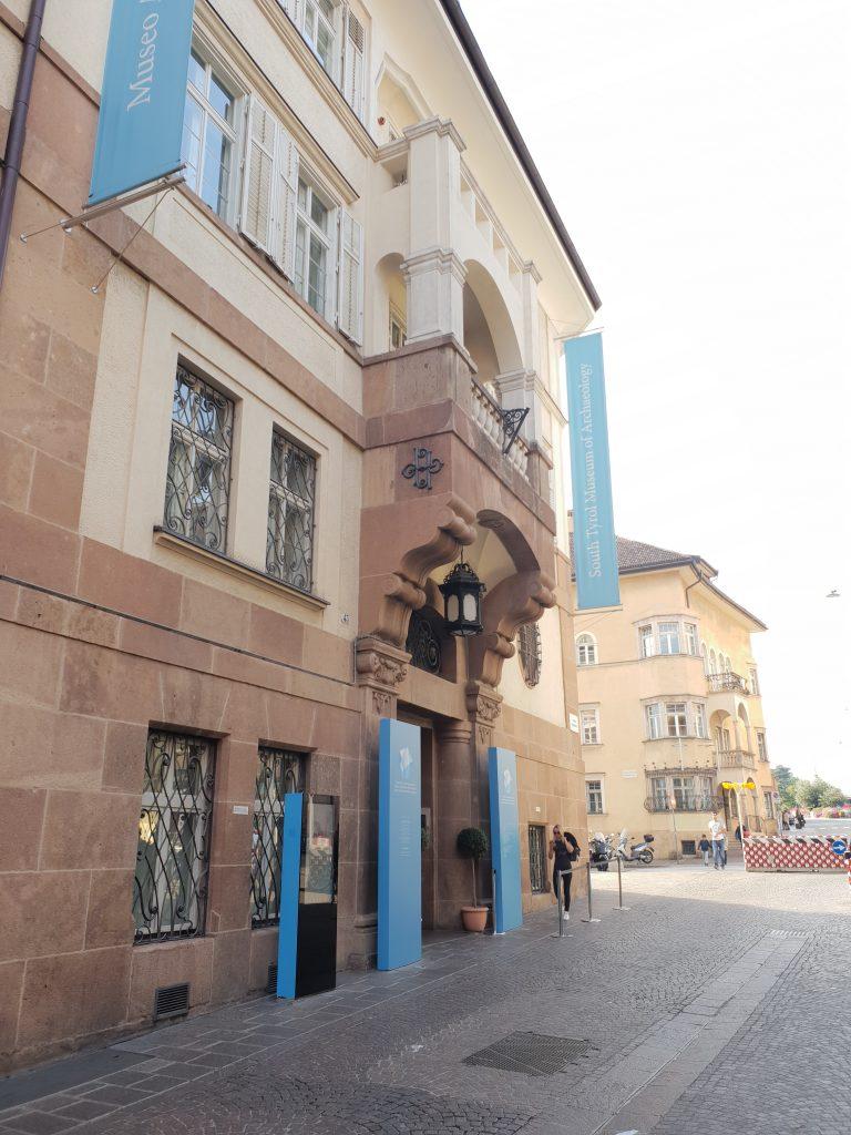Ӧtzi: Muzeum Archeologiczne w Bolzano