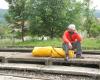 Tomek na peronie w jakimś zakątku Rumunii